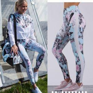 Rare! Nike all in printed high waisted leggings s